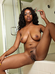 Afro amateurs naked